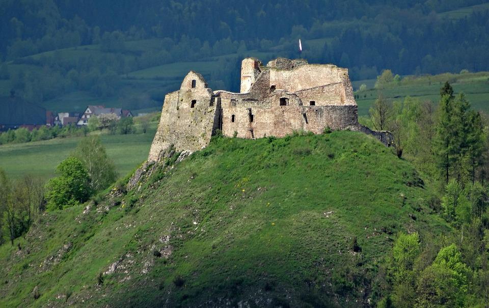 Zamek w Czorsztynie | Przewodnik Pieniny | Wycieczki z przewodnikiem w Pieniny, Pieniński Park Narodowy